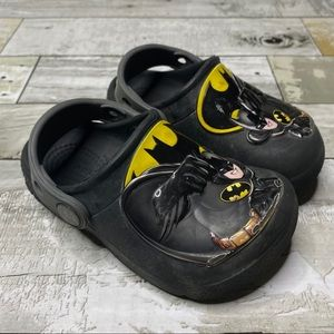Crocs bat man slip on water shoes